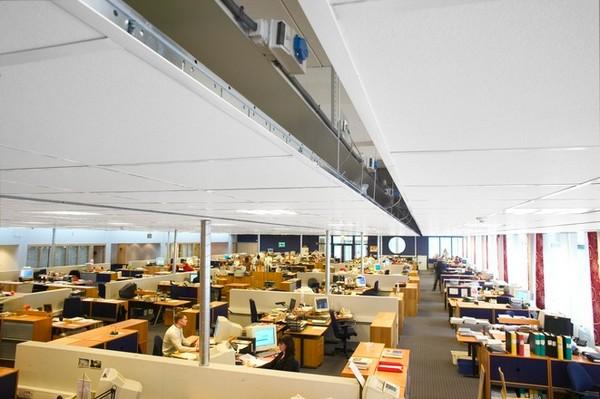 Прямолинейные акустические потолки Focus A (1200х600) белого цвета